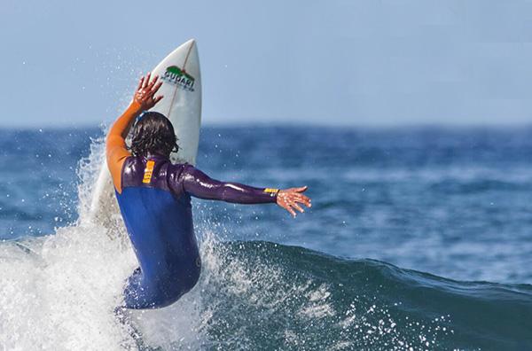 Clases de surf para niveles avanzados