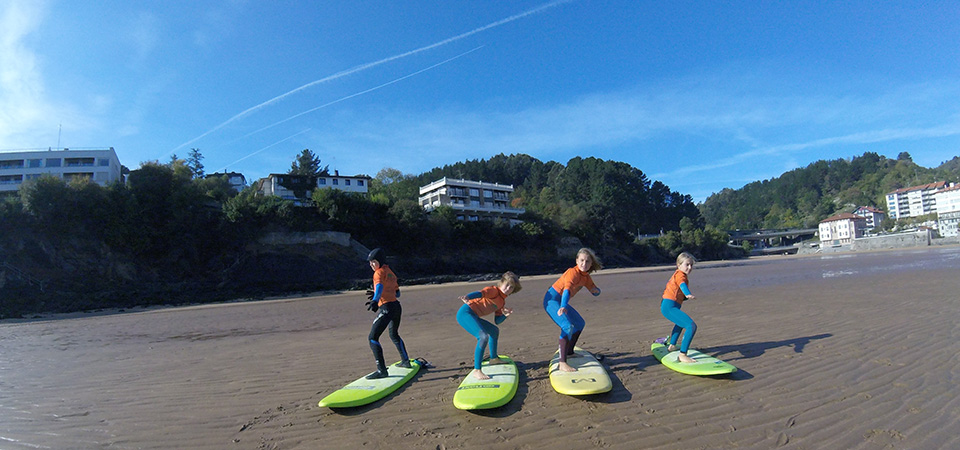 Gudari Caribe Surf Students in Mundaka
