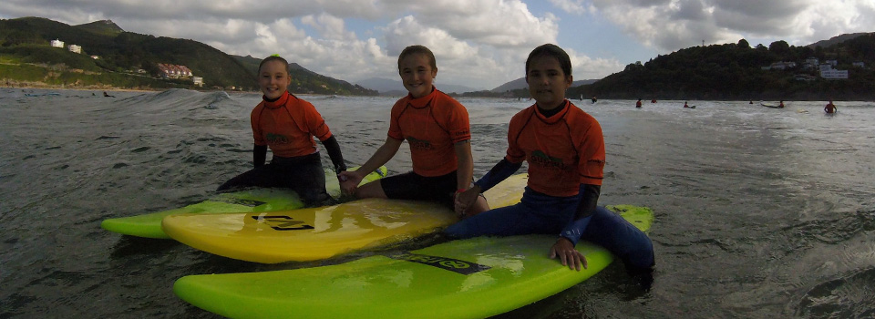 Surfing friends in Mundaka