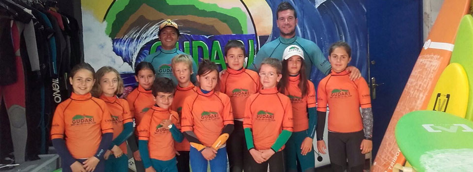 Students with teachers in Surf School in Mundaka