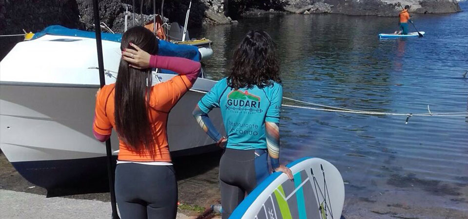 Teaching Paddle Boarding in Mundaka